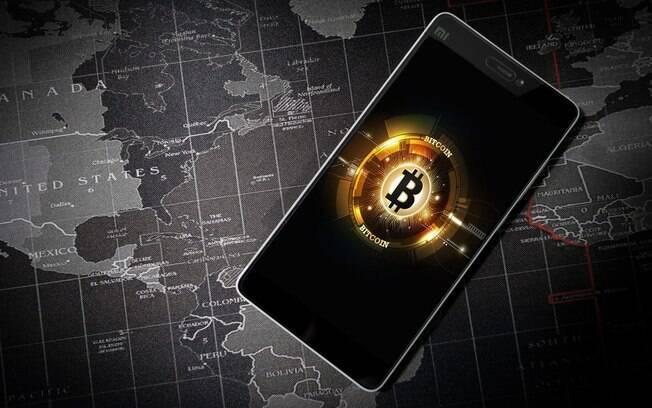 Bitcoin tem forte queda e chega a US$ 29 mil, quase zerando todos os seus ganhos anuais