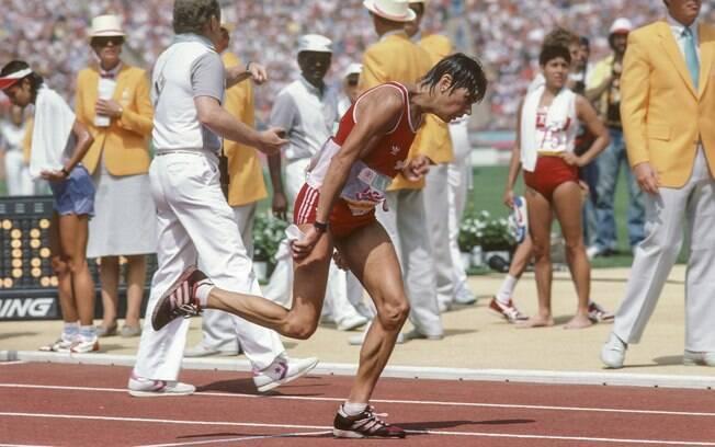 Gabriele Andersen sofreu com desidratação nas Olimpíadas de Los Angeles, em 1984