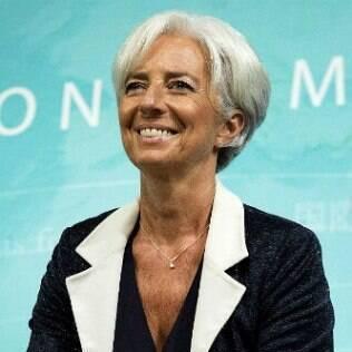 Christine Lagarde, 57 anos, é  diretora-gerente do Fundo Monetário Internacional (FMI) e inspiração da presidente Dilma para assumir os cabelos brancos