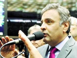 Aécio Neves fez criticas ao projeto de mudança da meta fiscal