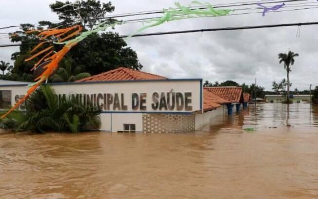 Enchente histórica do Rio Acre interdita três pontes, alaga 53 bairros de Rio Branco e prejudica 87 mil pessoas na cidade