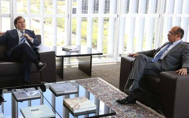 Gilmar Mendes e Rodrigo Maia se reuniram na residência oficial da Câmara dos Deputados, nesta manhã