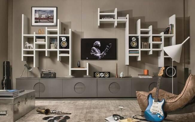Móveis podem integrar as caixas de som como parte da decoração, como neste modelo da Ornare