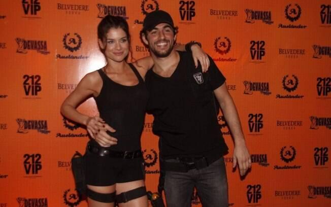 Felipe Simão e Alinne Moraes