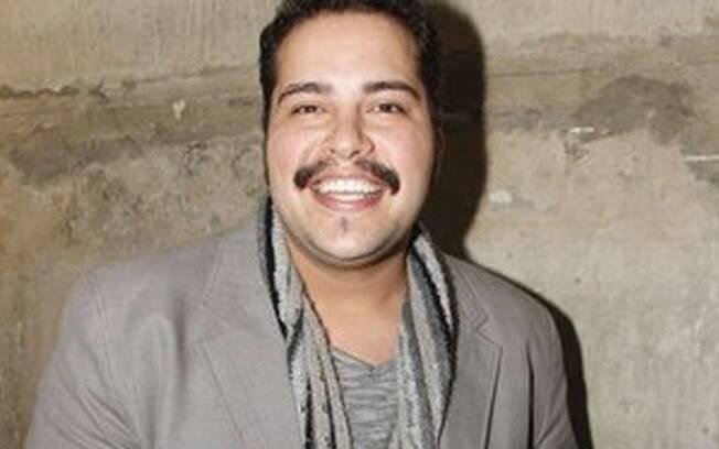 Thiago Abravanel, o neto de Sílvio Santos, interpreta Tim Maia no teatro