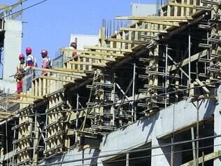 Parado. Setor da construção civil espera melhorar número de lançamentos em BH no próximo ano para poder gerar mais empregos
