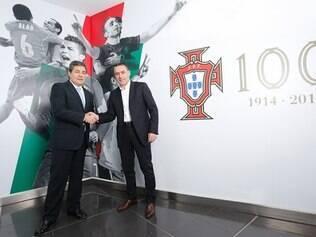 Paulo Bento vai comandar Portugal por pelo menos mais dois anos