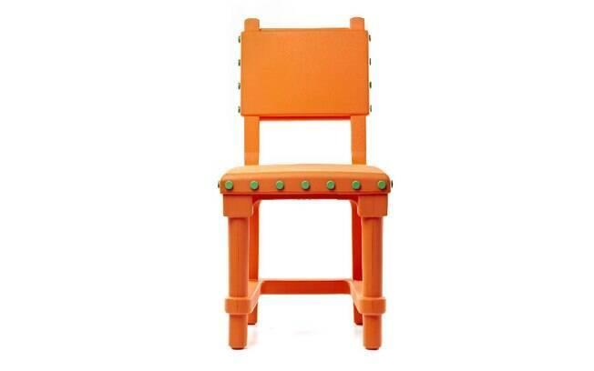Cadeira Gothic, de polietileno colorido, da marca holandesa Moooi, R$ 3.165, na Novo Ambiente