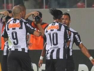 Camisa 9, Diego Tardelli não gostou de ter sido substituído no segundo tempo do jogo entre Atlético e Nacional-COL