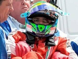 O brasileiro Felipe Massa também levou um susto em 2009. Durante os treinos classificatórios do GP da Hungria, uma mola se soltou do carro de Rubens Barrichello e atingiu o capacete de Massa. O brasileiro ficou inconsciente e colidiu contra a proteção de pneus. Massa teve fraturas no crânio, mas se recuperou e retornou às pistas ainda naquele ano, durante o GP do Brasil.