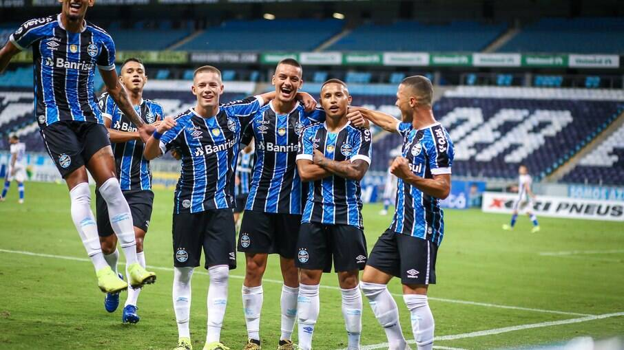 Grêmio tenta manter 100% na temporada