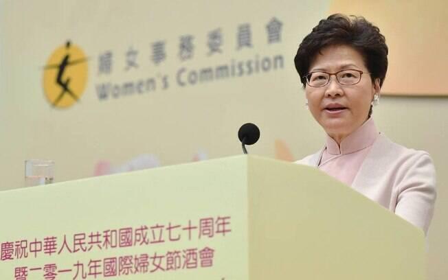 Chefe-executiva de Hong Kong, Carrie Lam se pronunciou nesta terça-feira (27)