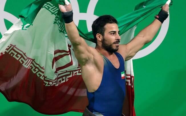Kianoush Rostami é campeão olímpico e vai doar sua medalha de ouro por uma boa causa
