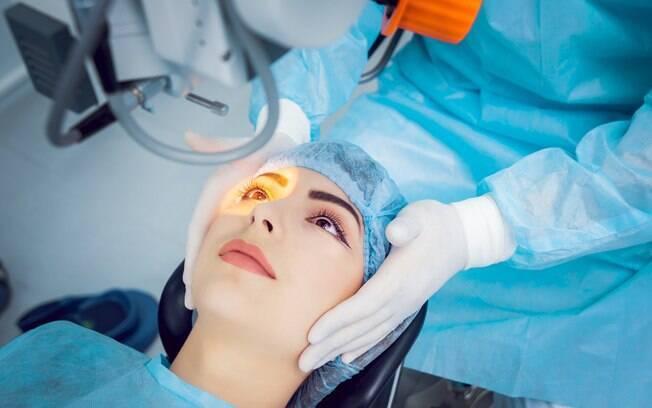 A catarata é uma das doenças que pode ser causada pela radiação ultravioleta