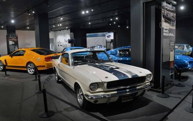 Os 50 anos do Mustang são contados no Petersen Museum com os modelos maisrepresentativos do esportivo-símbolo da Ford