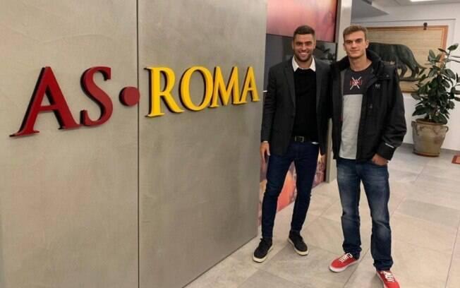 Roma contrata Felipe Estrella (à direita), destaque da Ferroviária na Copinha 2018