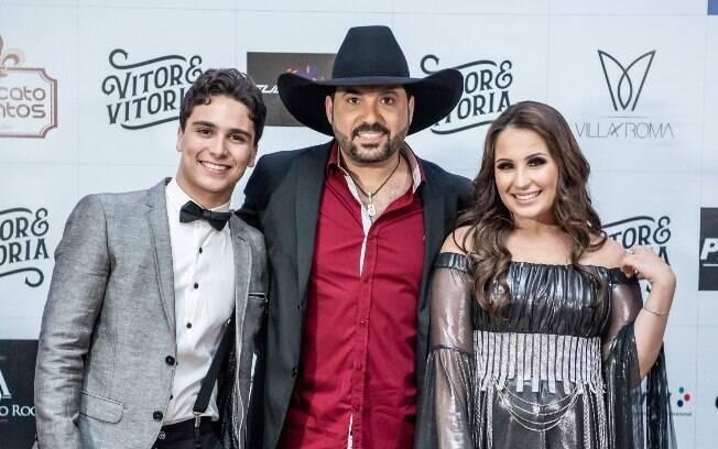 Vitor, Edson e Vitória