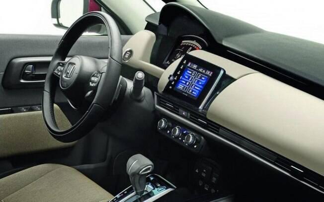 Entre outras mudanças no Honda Fit, destacam-se o cluster com velocímetro digital e nova central multimídia
