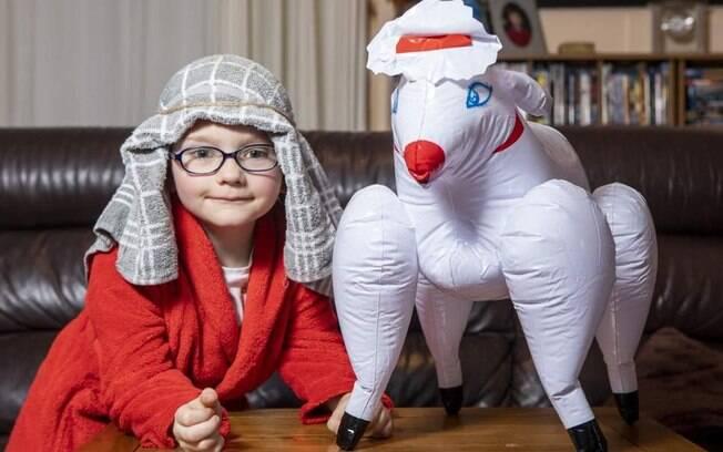Mãe compra ovelha para compor a fantasia do filho em apresentação escolar, mas descobre que é um brinquedo erótico