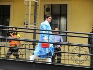 O paciente segue, neste momento, de ambulância para o Instituto Nacional de Infectologia Evandro Chagas, que funciona dentro do Instituto Oswaldo Cruz, em Manguinhos, referência nacional para casos de ebola