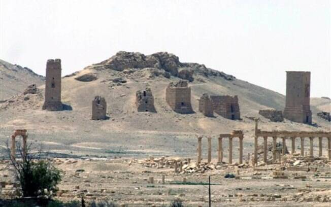 EI explode Arco de Palmira: Por que o grupo destrói sítios arqueológicos
