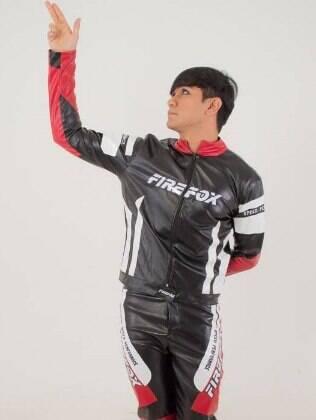 Esdras é líder do grupo cover de K-pop Faster Z inspirado no mundialmente famoso BTS