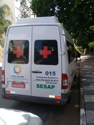 Para pacientes: logotipo da Prefeitura de Praia Grande e sigla da Secretaria de Saúde Pública