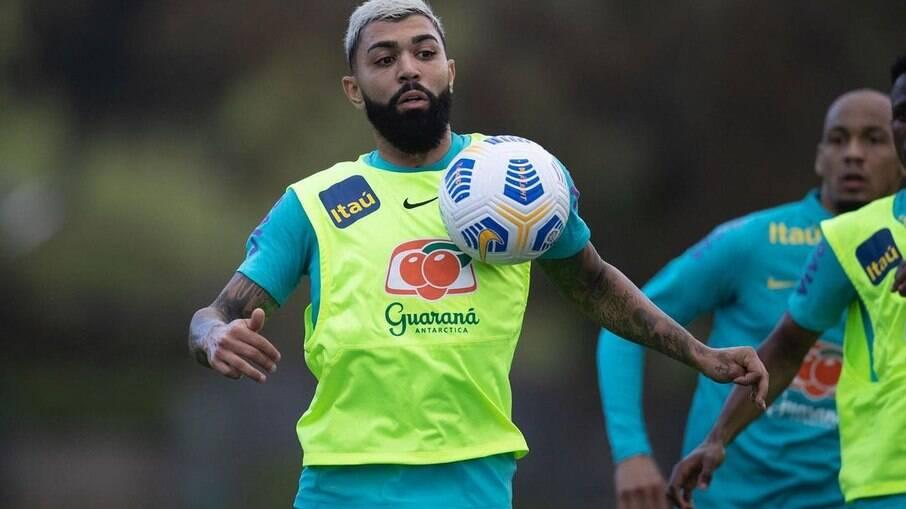 Gabigol se apresenta à Seleção brasileira