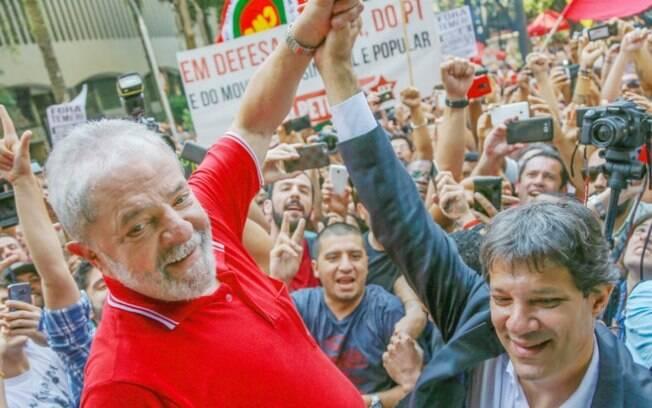 Lula estaria tentando convencer Haddad a concorrer à prefeitura.