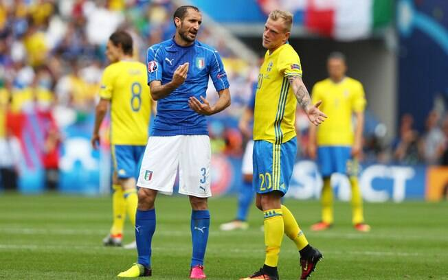 Itália tenta garantir vaga na Copa 2018 diante da Suécia