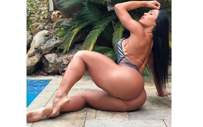 Gracyanne Barbosa afima que seu bumbum é natural