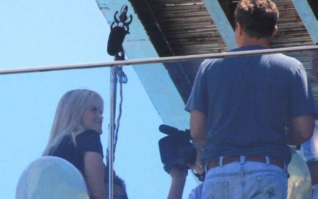 Reese Witherspoon em gravação com Luciano Huck