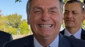 Bolsonaro ri de Joice: