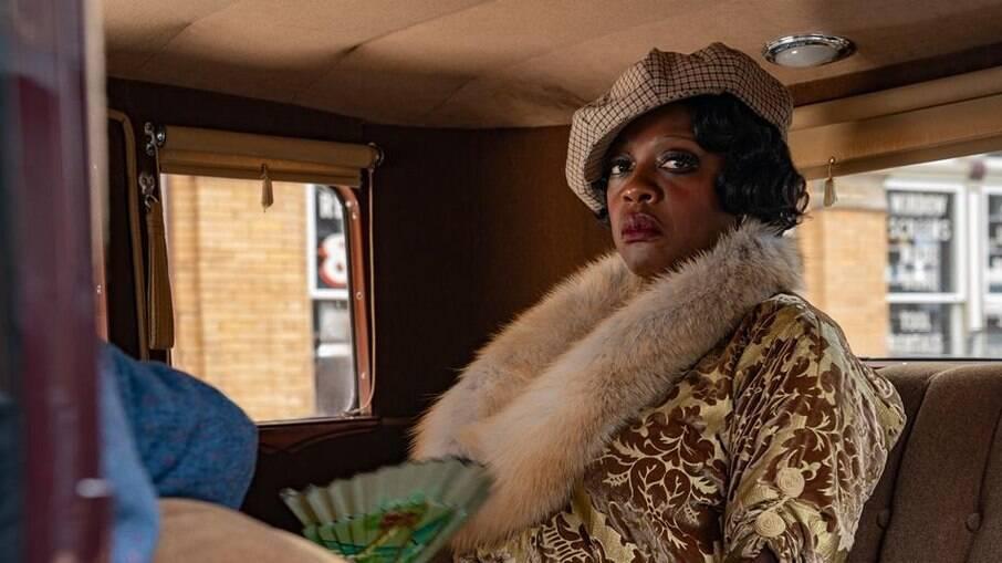 Viola Davis interpreta a egocêntrica, ambiciosa e independente cantora Ma Rainey em 'A Voz Suprema do Blues'