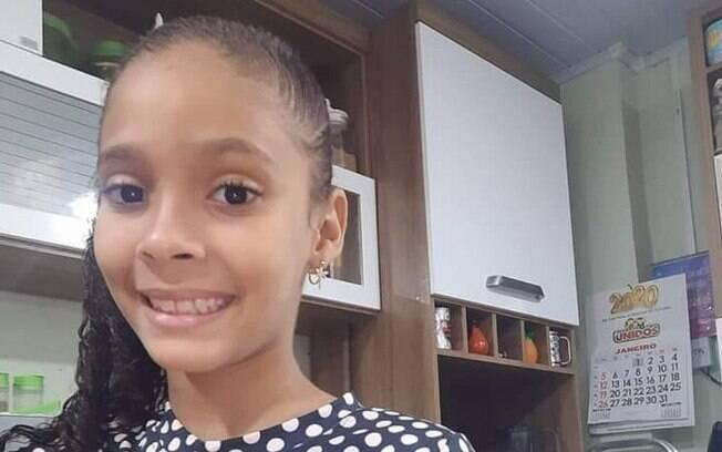 Maria Eduarda foi encontrada por um caminhoneiro em estrada de Duque de Caxias