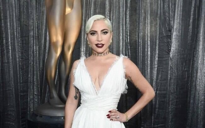 Lady Gaga estreia coleção luxuosa