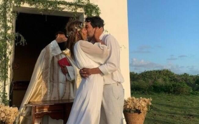 Priscila Borgonovi se casa com Bruno Caribé