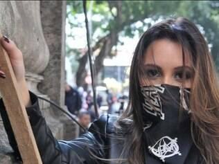 A atriz é uma das protagonistas da minissérie escrita por Marcílio Moraes, que ainda conta com Jussara Freire e Milhem Cortaz no elenco