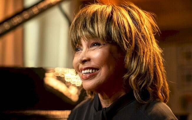 Tina Turner vende seus direitos musicais para a BMG em acordo histórico