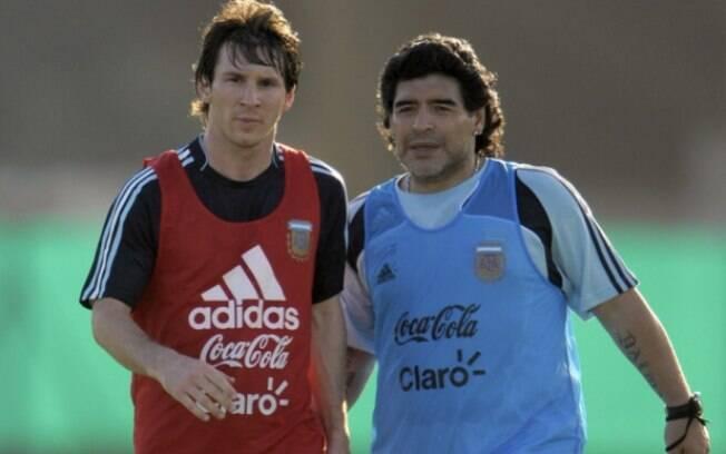 Maradona sobre polêmica entre Messi e Barcelona: 'Ele não foi bem tratado'. Foto: Lance!
