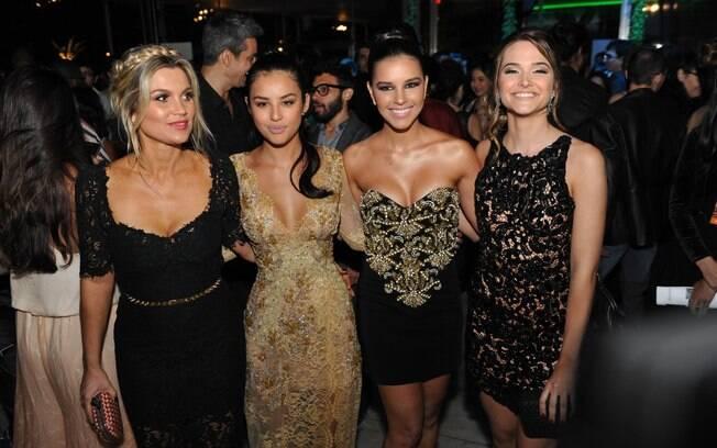 Flávia Alessandra, Yanna Lavigne, Mariana Rios e Juliana Paiva