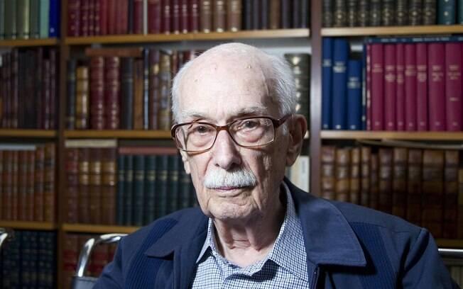 Antonio Candido é homenageado no Sesc