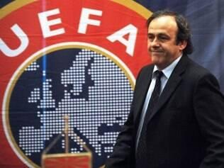 Uefa, entidade europeia chefiada por Platini, apoia a ideia da Copa de 2022 ser disputada no inverno