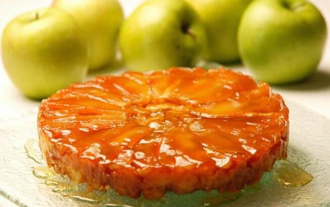 Foto da receita Tarte tatin com maçãs verdes pronta.