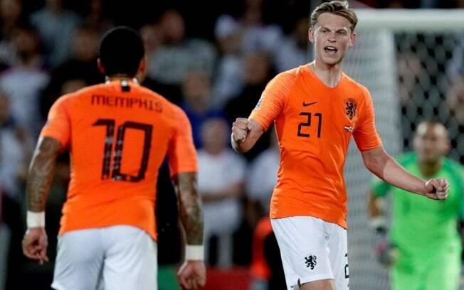 Holanda venceu a Inglaterra por 3 a 1 e está na final da Liga das Nações da Uefa