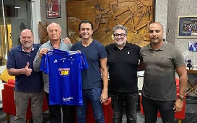 Cruzeiro fecha contrato com Luiz Felipe Scolari até o fim de 2022
