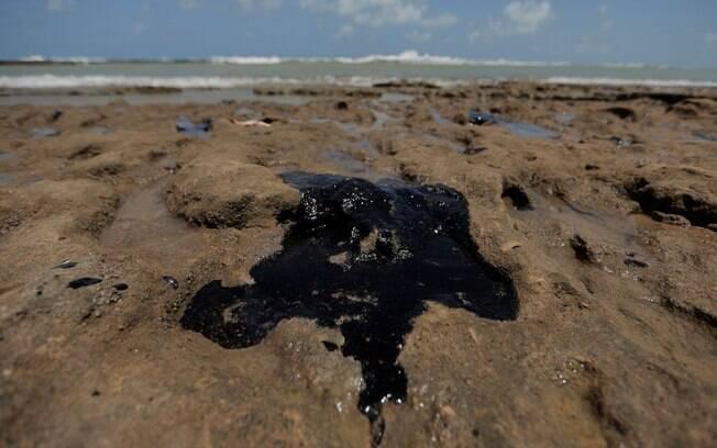Manchas de óleo começaram a aparecer no dia 30 de agosto
