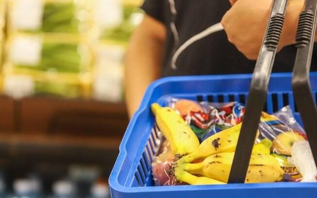 Consumidores sentem alta nos preços de alimentos e produtos de limpeza