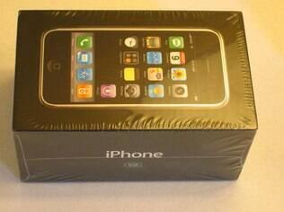 iPhone de primeira geração em leilão no eBay tem caixa lacrada