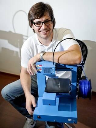 Rodrigo Krug, da Cliever, posa com a CL-1